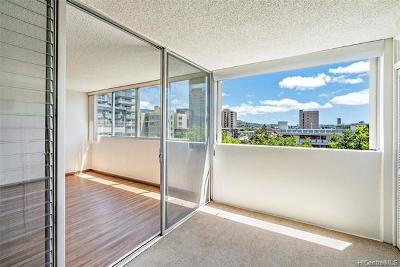 Condo/Townhouse In Escrow Showing: 1617 Clark Street #401