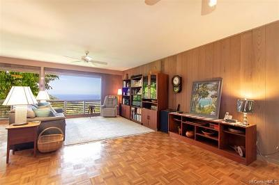 Honolulu Single Family Home For Sale: 215 Forest Ridge Way