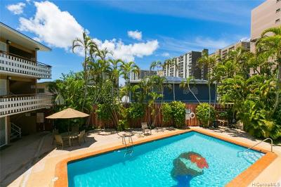 Condo/Townhouse In Escrow Showing: 1427 Alexander Street #206