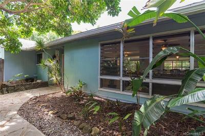 Kailua Single Family Home For Sale: 724 Nunu Street