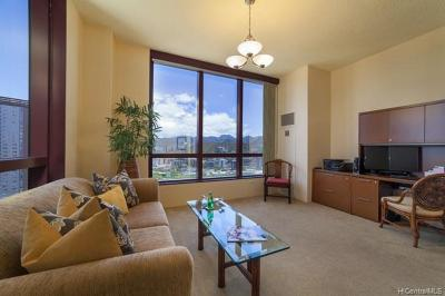Hawaii County, Honolulu County Condo/Townhouse For Sale: 725 Kapiolani Boulevard #3204