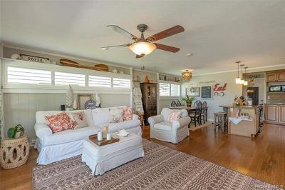 Kailua Single Family Home For Sale: 555 Ulumalu Street
