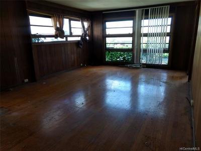 Waipahu Single Family Home For Sale: 94-1132 Lumiauau Street