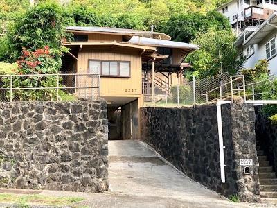 Honolulu Single Family Home For Sale: 2237 Waiomao Road