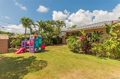 Kailua Single Family Home For Sale: 749 Oneawa Street
