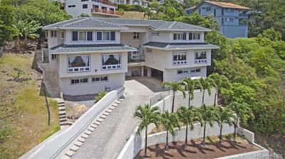 Honolulu Single Family Home For Sale: 845 Hokulani Street