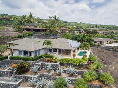 Kailua-Kona Single Family Home For Sale: 76-342 Kalakua St
