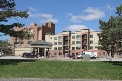 Story County Condo/Townhouse For Sale: 2200 Hamilton Dr. #408