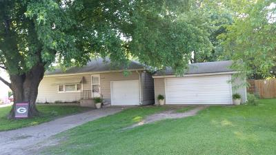 Gilbert Single Family Home For Sale: 106 School Street