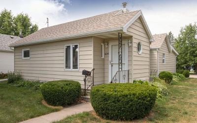 Boone Single Family Home For Sale: 609 State Street