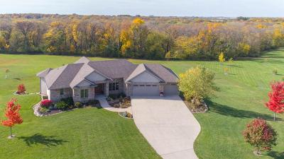 Boone County Single Family Home For Sale: 2330 164th Place