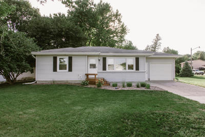 Ames Single Family Home For Sale: 307 Dotson Drive