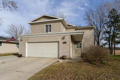 Ames Single Family Home For Sale: 3324 Jewel Drive