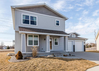 Ames Single Family Home For Sale: 2849 Piccadilly Square