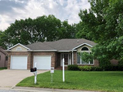 Ames Single Family Home For Sale: 1710 Woodhaven Circle