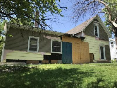 Ames Single Family Home For Sale: 121 Kingsbury Avenue