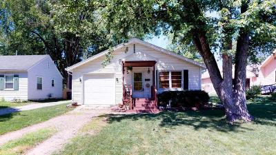 Ames Single Family Home For Sale: 1527 Burnett Avenue