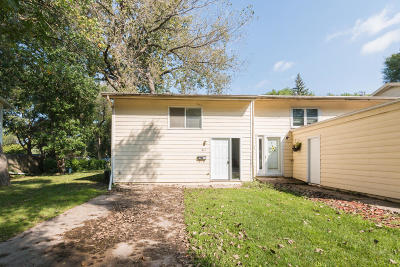 Ames Single Family Home For Sale: 613 Meadow Place