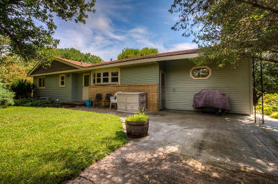 Ames Single Family Home For Sale: 3504 Emerald Drive