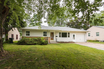 Ames Single Family Home For Sale: 1617 Clark Avenue