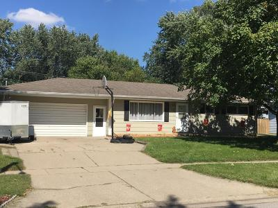 Ames Single Family Home For Sale: 321 Jewel Drive