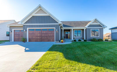 Ames Single Family Home For Sale: 2810 Danbury Road
