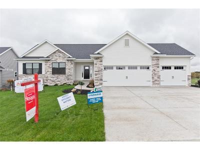 Marion Single Family Home For Sale: 1359 Crescent Oak Lane