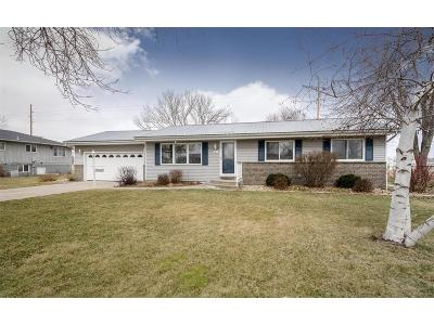Palo Single Family Home For Sale: 300 Minors Drive
