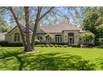 Cedar Rapids Single Family Home For Sale: 3917 Cedar Grove Court NE