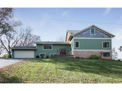 Solon Single Family Home For Sale: 54 NE Lakeside Drive