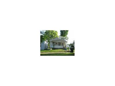 Cedar Rapids Single Family Home For Sale: 1020 9th Street SE