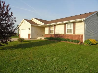 Anamosa Single Family Home For Sale: 419 Chamber Drive