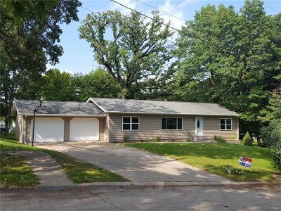 Hiawatha Single Family Home For Sale: 118 Chaffee Drive