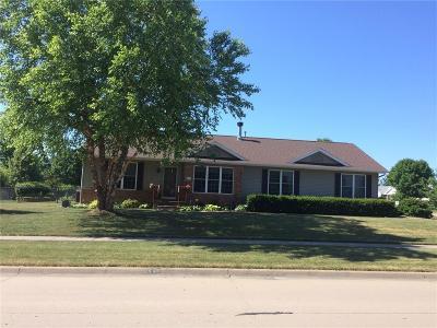 North Liberty Single Family Home For Sale: 505 Fox Run