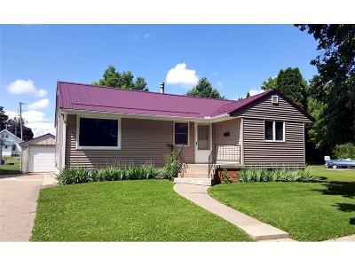 Monticello Single Family Home For Sale: 323 E Cherry Street