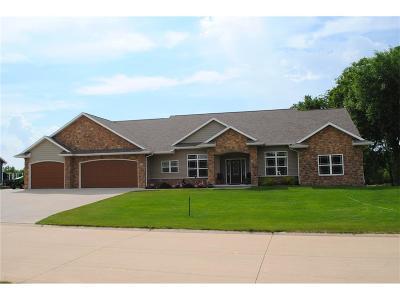 North Liberty Single Family Home For Sale: 1801 Wenrose Drive NE