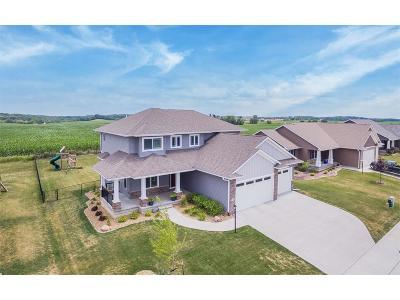 North Liberty Single Family Home For Sale: 720 Penn Ridge Drive