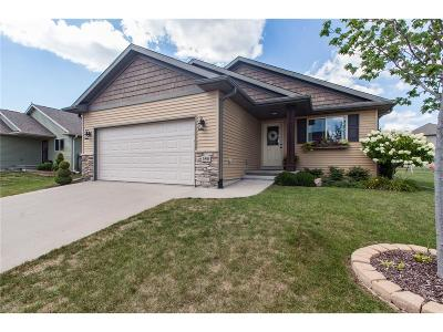 North Liberty Single Family Home For Sale: 150 Catalpa Lane