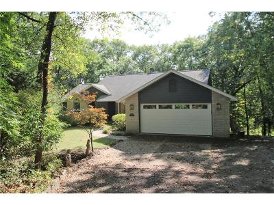 Cedar Rapids Single Family Home For Sale: 500 East Post Road SE