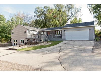 Cedar Rapids Single Family Home For Sale: 941 44th Street SE
