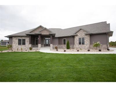 Cedar Rapids Single Family Home For Sale: 6007 Sanden Road