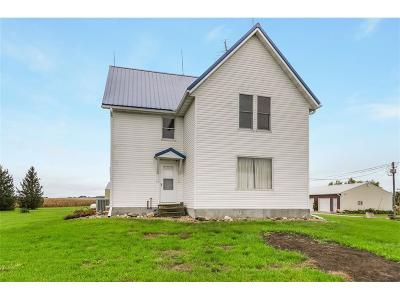 Marengo IA Single Family Home For Sale: $189,900