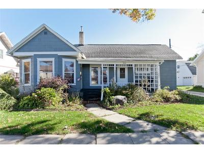 Vinton Single Family Home For Sale: 808 A Avenue