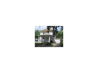 Cedar Rapids IA Single Family Home For Sale: $26,000