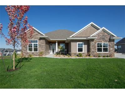 Cedar Rapids Single Family Home For Sale: 6102 Sanden Road