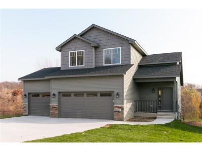 Fairfax Single Family Home For Sale: 1421 Bridgewood Drive