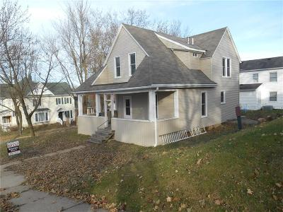 Anamosa Single Family Home For Sale: 301 S Ford Street