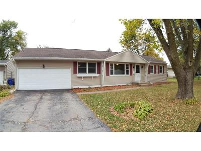 Cedar Rapids Single Family Home For Sale: 1108 Crestview Drive SE