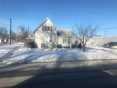 Vinton Single Family Home For Sale: 215 W 3rd Street