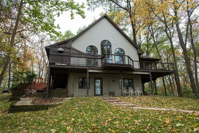 Iowa City Single Family Home For Sale: 2944 Orchard View Lane NE
